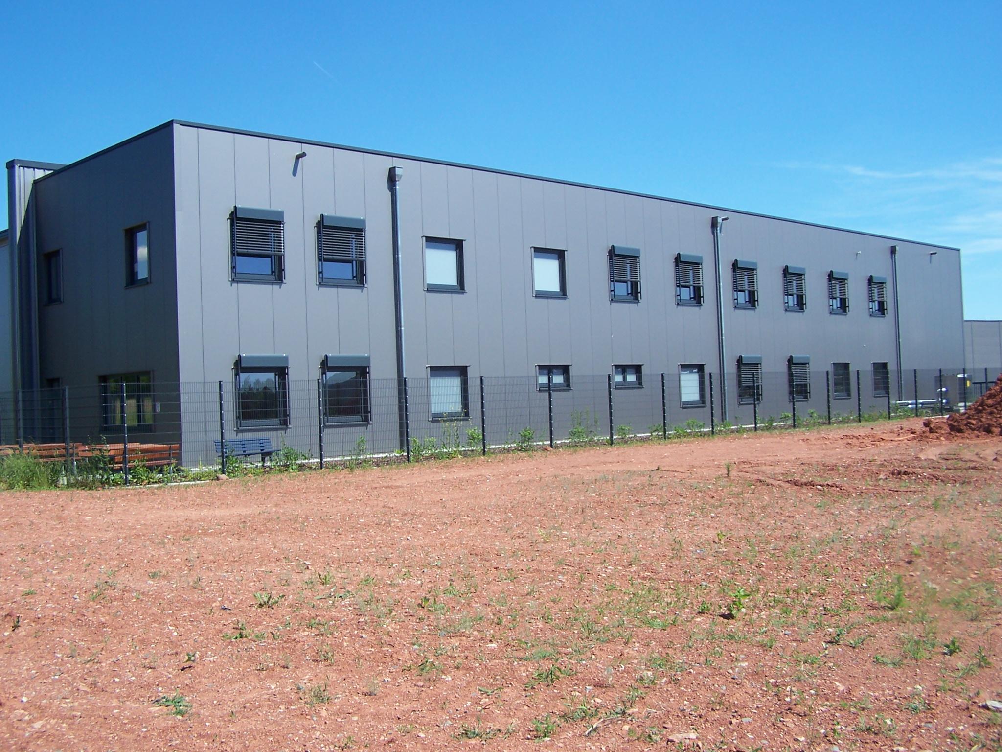 Produktions- und Lagerhalle mit Verwaltungsgebäude und Außenanlage, 67688 Rodenbach